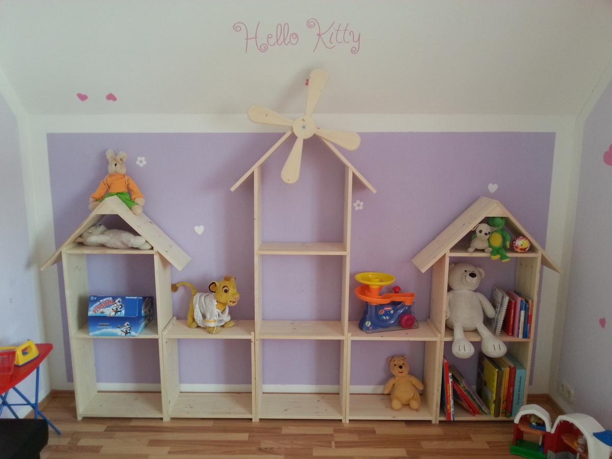 Regalwand für das Kinderzimmer
