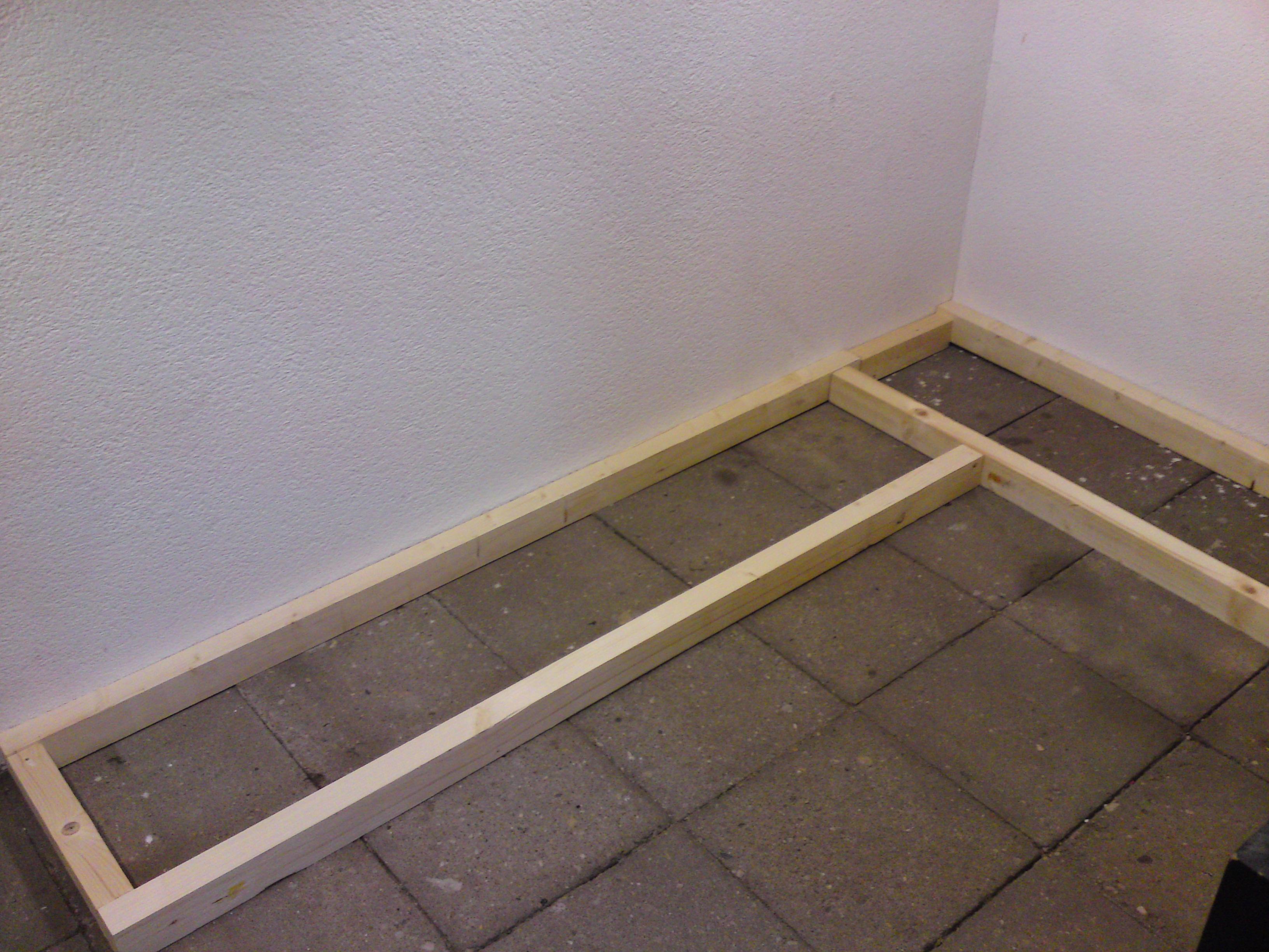 werkbank bauen mit einer arbeitsplatte zur stabilen werkbank. Black Bedroom Furniture Sets. Home Design Ideas