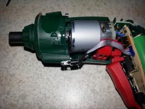 Bosch IXO LED entfernen