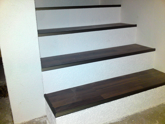 Treppe mit Reibeputz