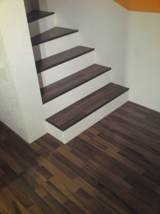 treppe mit laminat verkleiden treppenrenovierung. Black Bedroom Furniture Sets. Home Design Ideas