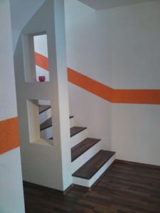 Treppe mit Laminat