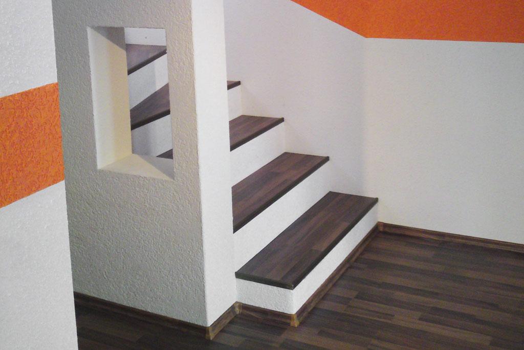 Treppe mit Laminat belegen