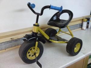 Dreirad lackieren