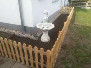 einfacher Gartenzaun