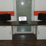 Schreibtisch mit Hubfunktion