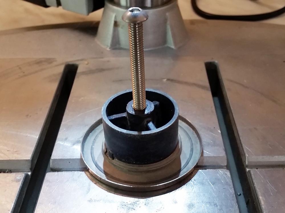 Topfdeckel neue Schraube