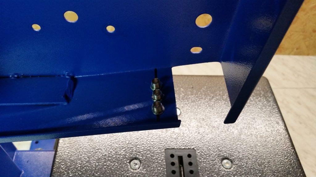 LED-Fassung in Bandsäge einbauen